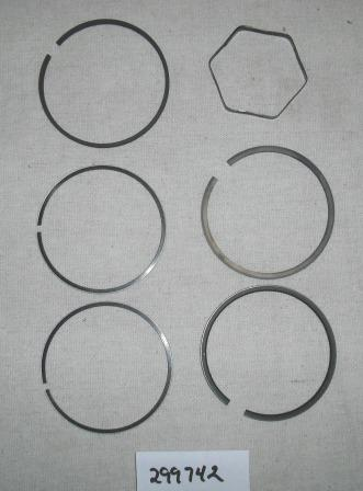 Briggs and Stratton Chrome Ring Set Part# 299742