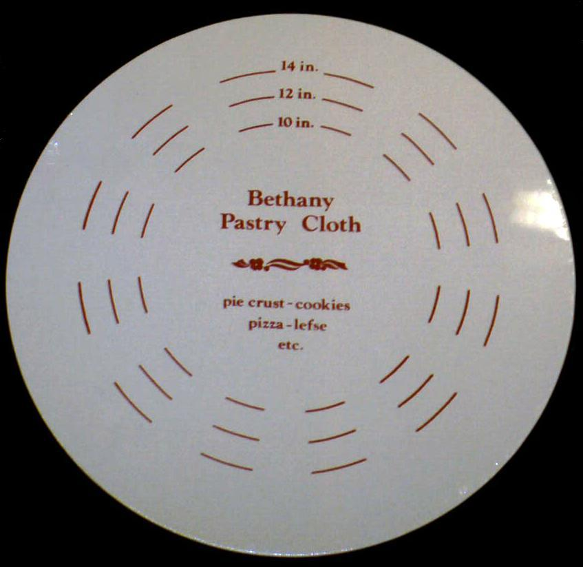 Bethany Heritage Round Pastry Board & Cloth